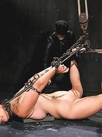 Bella Rossi - Captured Cunt